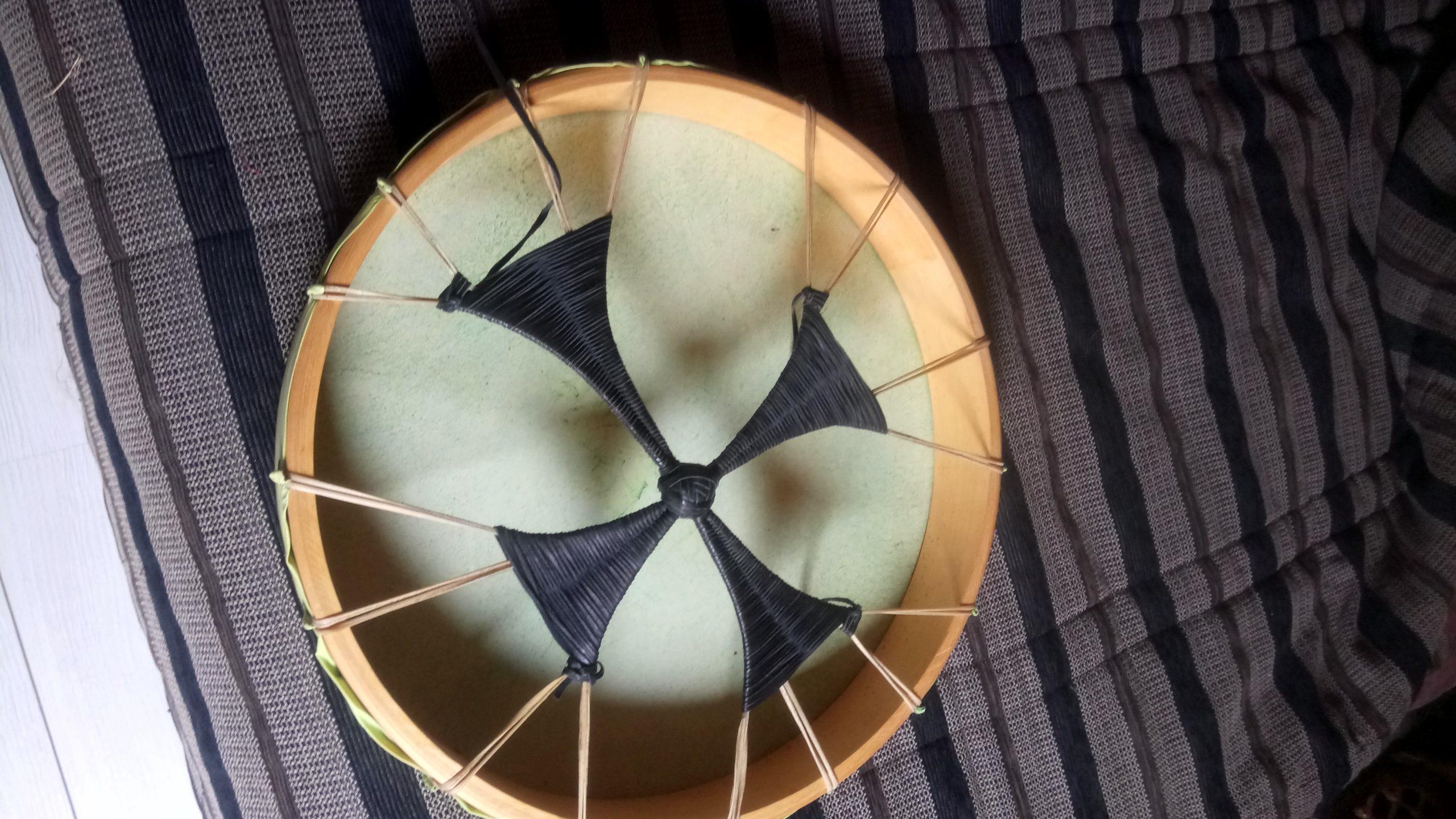 TAMBOUR SPIRALE DSC 0235 scaled - TAMBOUR CHAMANIQUE de 50cm de diamètre